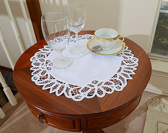 Battenburg Lace Round Placemats